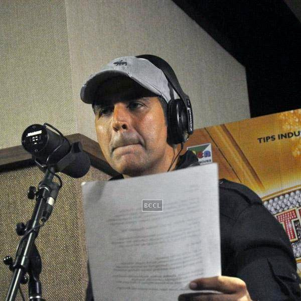 Akshay Kumar records a song for his movie Entertainment, in Mumbai, on July 23, 2014. (Pic: Viral Bhayani)