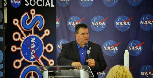 Ed Mango Steps Down As Head Of Nasa Commercial Crew Program