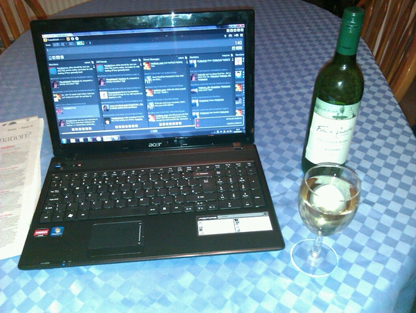 laptop wine and tweetdeck help desk
