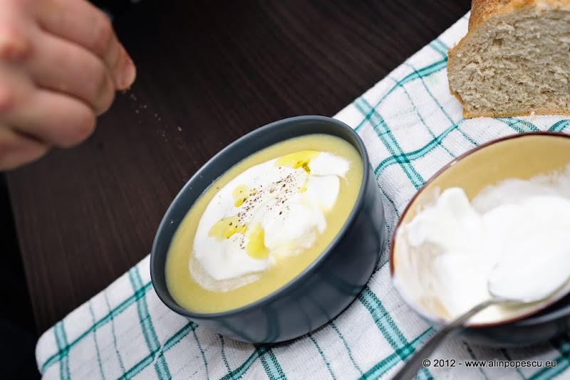Razvan Anton supa crema de usturoi cu smantana si piper