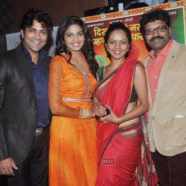 Aniket Vishwasrao, Pooja Sawant, Neha Joshi and Rishikesh Joshi during the screening of Poshter Boyz, in Mumbai, on July 30, 2014. (Pic: Viral Bhayani)