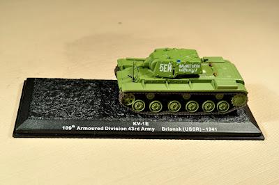 """KV-1E (la """"E"""" indica versión con blindaje extra)"""