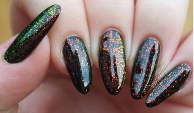Kleancolor Chunky Holo Bluebell Glitter topper holographic