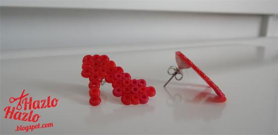 Pendientes de zapatos hamma beads.
