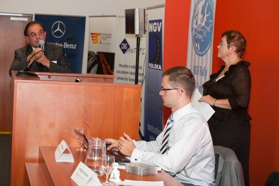 Dr inż. Wojciech Gis (ITS) przedstawia zalety wykorzystania biometanu do zasilania autobusów