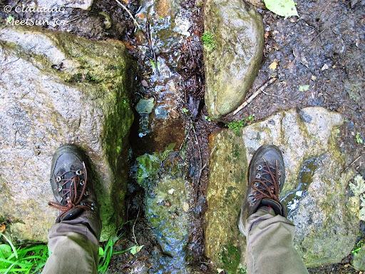 Tura la munte in Canada. Mont Orford.  amenajari transversale poteci pentru scurgerea apei