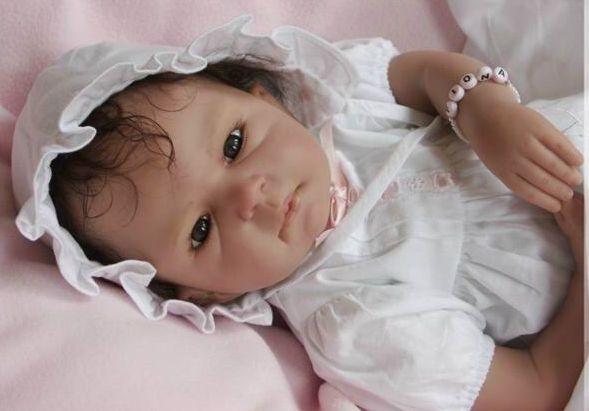 Gerçek Gibi Görünen oyuncak Bebeklere