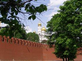 Кремлевская стена, не московская Москва