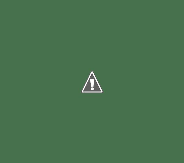 Abajur de colheres plásticas recicladas.