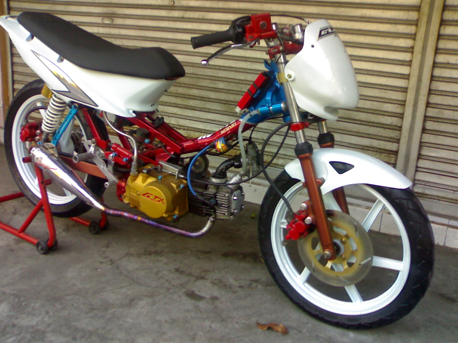 Honda Blade Modifikasi Roadrace