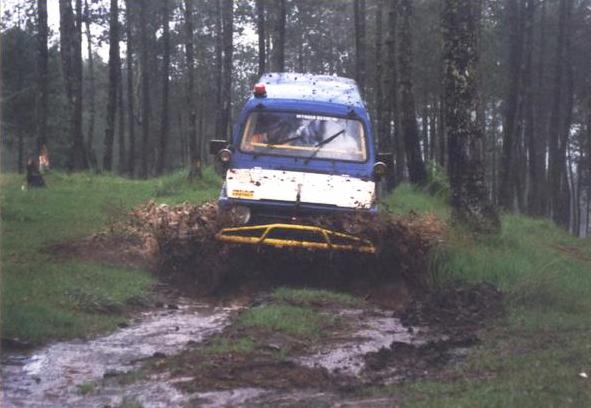 Suzukijeepinfo  Dangerous Uq Wheeler  U2502 Suzuki Sj410 Katana