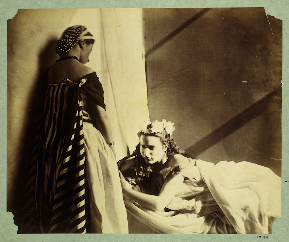 Isabella Grace and Clementina Maude, photography by Lady Clementina Hawarden, about 1863-4.