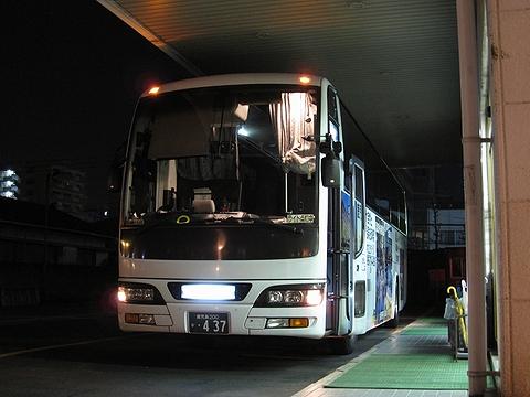 いわさきバスネットワーク「桜島号」・437 鹿児島いづろにて