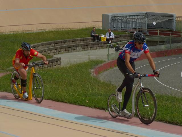 2 sept 2012 - reccord de l'heure sur vélodrome - Lyon P1000501