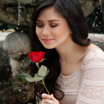 Sarah Geronimo - I Look To You Lyrics