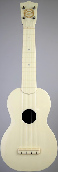 1950's Fin-Der Diamond Head Plastic Acoustic Soprano at Ukulele Corner