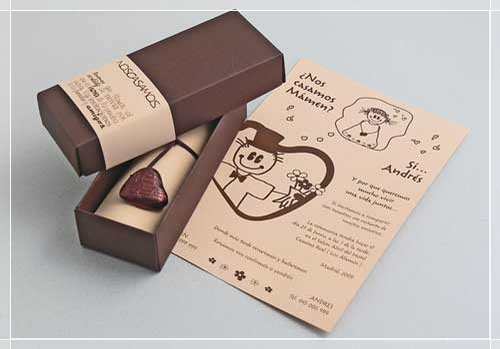 Invitación chocolate de boda con dibujitos