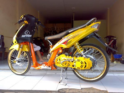Modifikasi Motor Matic | Matic Drag Bike: Motor Drag Liar Yamaha Mio