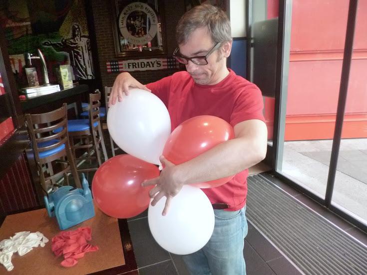 Paso a paso arco de globos imagui for Como hacer decoracion con globos