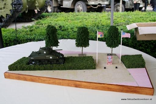OVERLOON 08-10-2011 Officiële tankoverdracht  (65).JPG