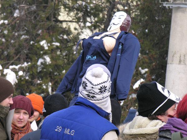 Femeia protestatar anti-Acta care a scandalizat Oradea #3