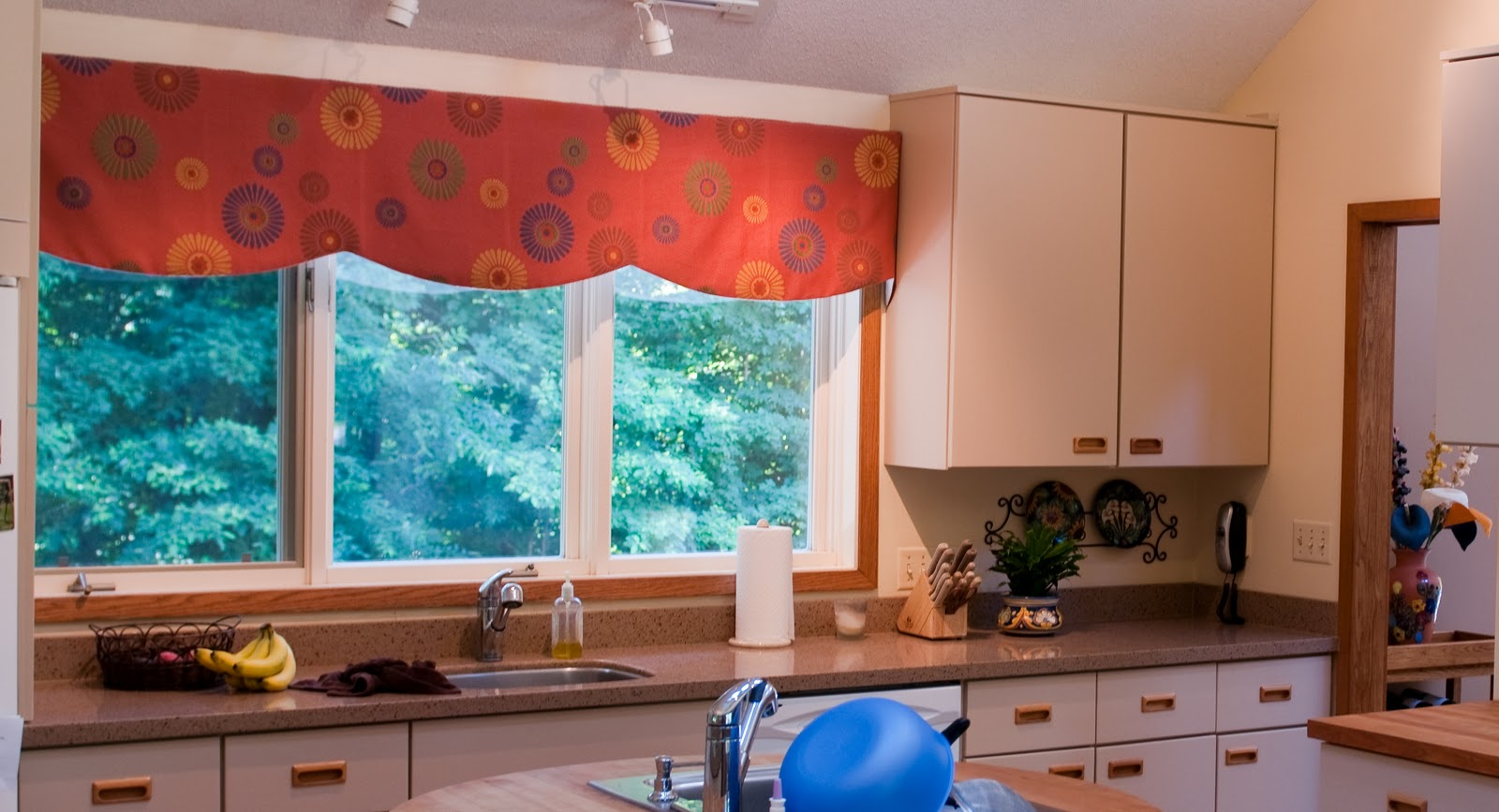 The Boatwright Family: New Kitchen Valance
