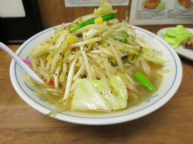 野菜てんこ盛りのトナリのタンメン