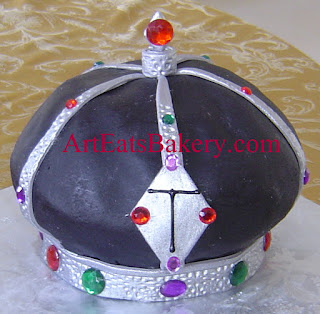 Unque black and silver King's crown men's fondant 3D birthday cake
