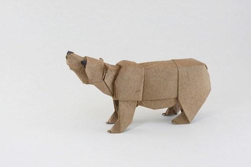 Медведь из картона