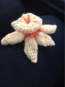 Knitted Daffodil Brooch Pattern : Daffodil Brooch Knitting Pattern The Knit Guru