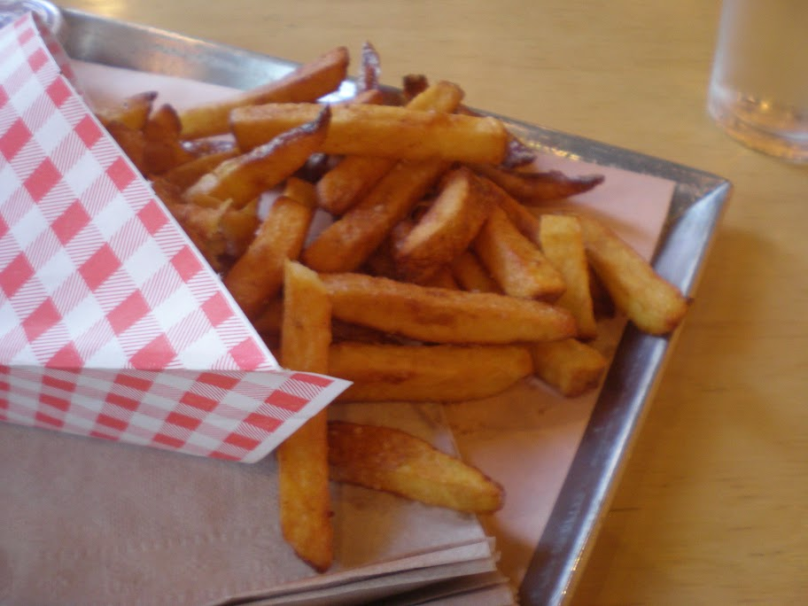 The plain fries at Wvrst.