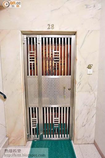 原告胡少芬的寓所沒有人應門。