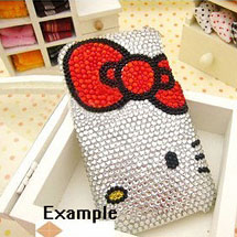 Celular personalizado com desenho da Hello Kitty decorado com strass