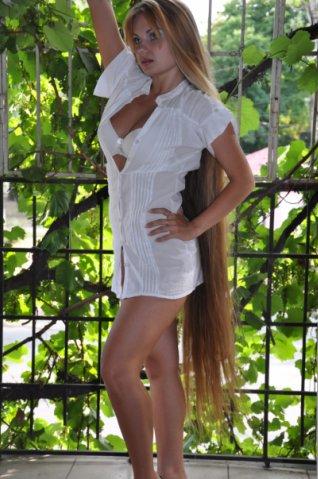 Blondie long hair Rapunzel