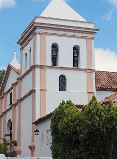 Foto del campanario de la Iglesia de Santa Rosalía de Palermo