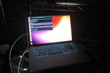 Ubuntu supera a Mac OS X 10.8.3 en su propio ordenador