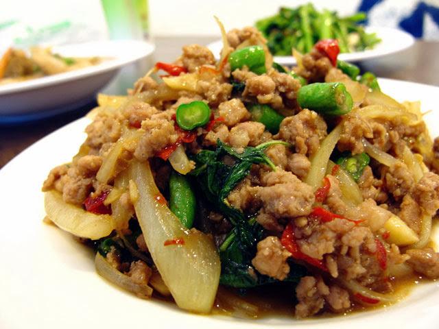 打拋豬NT 100元-泰僑村台中泰式料理