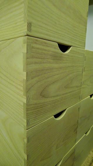 Une série de petites boites P1070678