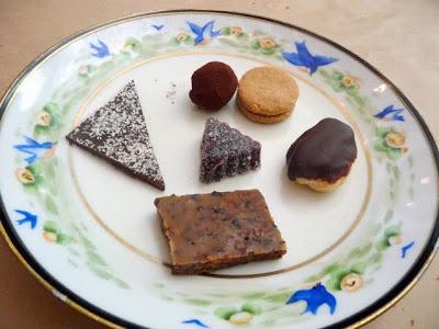 Dessert at Little Bird: Bonbons de la maison
