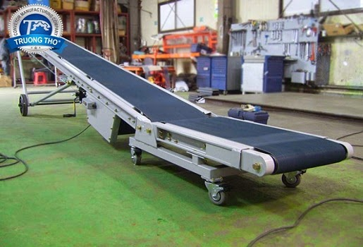 Shipping products by rubber conveyor belts