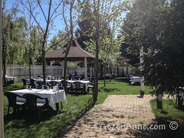 Cumhuriyetköy'deki Beyaz Bahçe'nin ortamı
