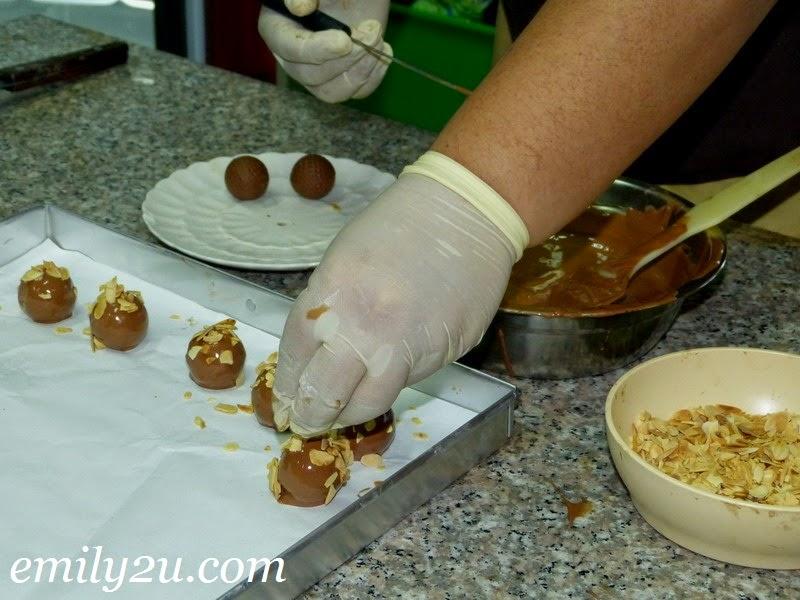chocolate making demonstration