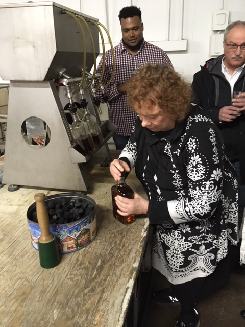 michelle-feldman-bottling-whiskey