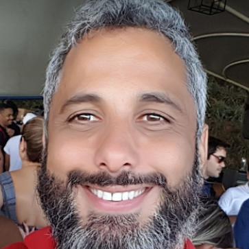 Célio Queiroz