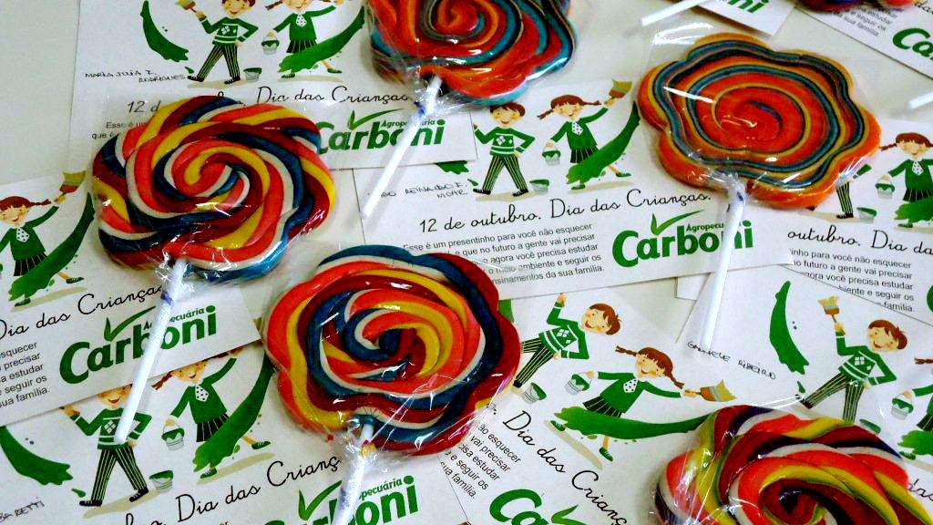 Agropecuária Carboni homenageia filhos dos funcionários DSC01383