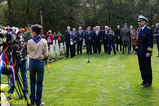 herdenkingsdienst  en een stille tocht naar het Engelse kerkhof 12-10-2014 (70).jpg
