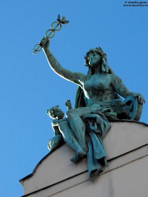 Pilsen, statui si detalii de arhitectura - statuia albastra