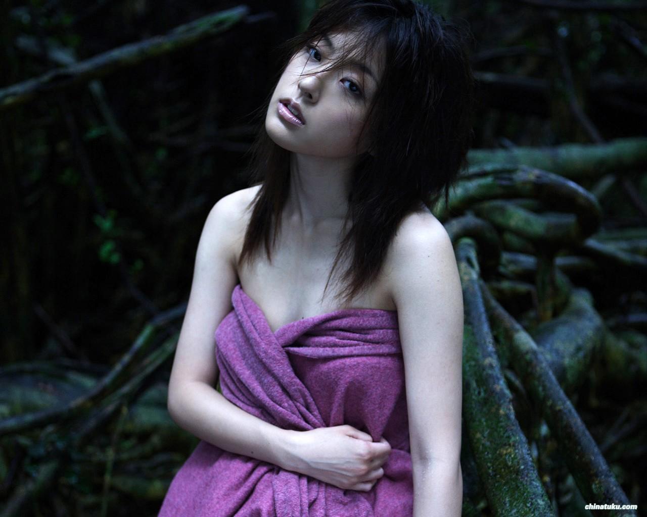 Kinoshita-Ayumi - Click here to view Full Image