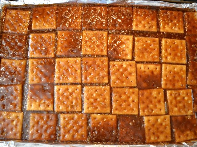 baked toffee crackers