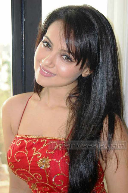 indian magi sana khan